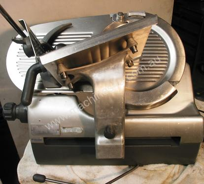 AUTOMATIC FOOD SLICER - Hobart Semi Automatic Slicer