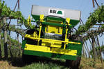 BBI Cricket Vineyard Spreader