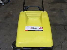 KARCHER KSM750 B SWEEPER - picture1' - Click to enlarge