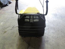 KARCHER KSM750 B SWEEPER - picture2' - Click to enlarge