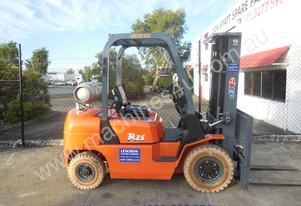 Ep 2500kg container forklift