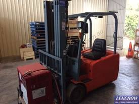 Used 2.0T EP 3 wheel Forklift