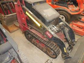 Toro 525 Mini Loader - picture1' - Click to enlarge