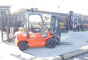 Nissan forklift J02 4.3m Lift 2.5T Container Mast
