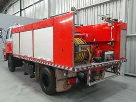 Isuzu  Water truck Truck - picture2' - Click to enlarge