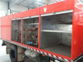 Isuzu  Water truck Truck - picture14' - Click to enlarge