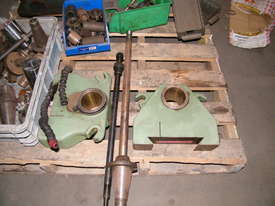 TOS milling machine - picture10' - Click to enlarge
