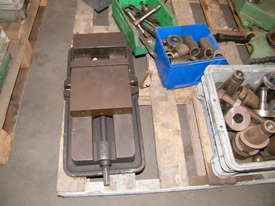 TOS milling machine - picture12' - Click to enlarge