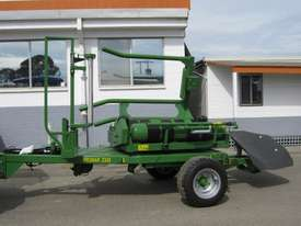 Pronar Z245 Bale Wrapper Hay/Forage Equip - picture0' - Click to enlarge
