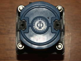 Kraus & Naimer CA10 Rotary Selector Switch 2 Position - picture3' - Click to enlarge