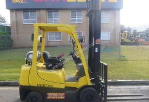 HYSTER GAS FORKLIFT 2 TONNE - Painted,  5 Metre Lift. Serviced.