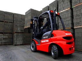NEW MANITOU MI25G - 2.5T LPG CONTAINER ENTRY FORKLIFT - picture1' - Click to enlarge