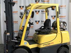Hyster 2.5t counterbalance hire - picture0' - Click to enlarge