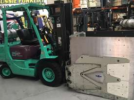 Forklift with attachment - picture3' - Click to enlarge