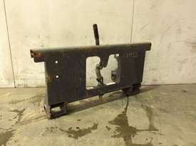 UNUSED MUSTANG SINGLE PIN HITCH MACHINE SIDE D926 - picture3' - Click to enlarge