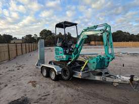 Kobelco SK17SR-5 Mini Excavator for Dry Hire - picture2' - Click to enlarge