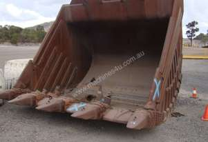 HITACHI HEAVY DUTY EXCAVATOR BUCKET