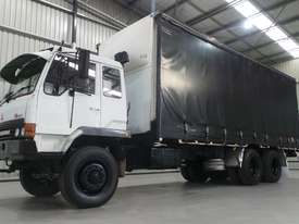 Mitsubishi FM557 Cab chassis Truck - picture0' - Click to enlarge