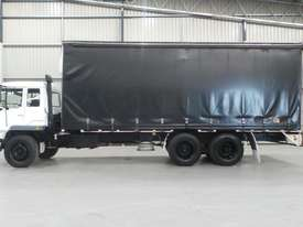 Mitsubishi FM557 Cab chassis Truck - picture1' - Click to enlarge