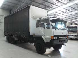 Mitsubishi FM557 Cab chassis Truck - picture3' - Click to enlarge