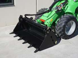 Avant 745 Mini Loader W/ 4 in Bucket - picture9' - Click to enlarge