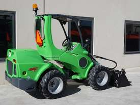 Avant 745 Mini Loader W/ 4 in Bucket - picture13' - Click to enlarge
