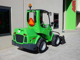 Avant 745 Mini Loader W/ 4 in Bucket - picture14' - Click to enlarge