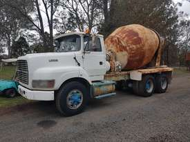 Ford L8000 Concrete Agitator Truck - picture1' - Click to enlarge