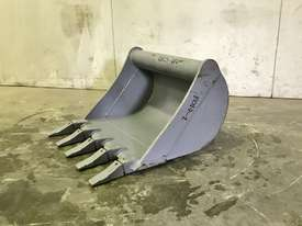 UNUSED 600MM DIGGING BUCKET TO SUIT 2-3T EXCAVATOR E014 - picture0' - Click to enlarge