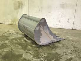 UNUSED 600MM DIGGING BUCKET TO SUIT 2-3T EXCAVATOR E014 - picture1' - Click to enlarge