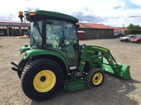 John deere 3320 Compact Trctor - picture3' - Click to enlarge