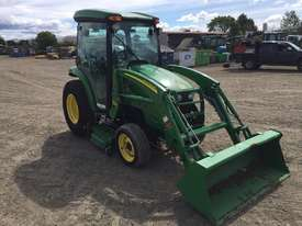 John deere 3320 Compact Trctor - picture4' - Click to enlarge
