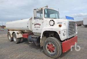Ford   L8000 Water Truck