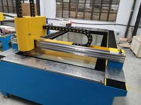 1kw Alpha Fiber laser cutter 1530E (1.5x3m cutting table) 2 years warranty - picture2' - Click to enlarge