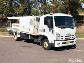 2008 Isuzu FRR600 - picture0' - Click to enlarge