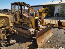 1986 Caterpillar D3B Bulldozer *DISMANTLING* - picture1' - Click to enlarge