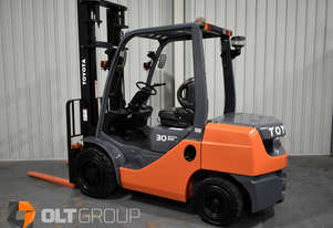 Toyota 3 Tonne Forklift 8FD30 Diesel Sideshift 2015 Model Low Hours Solid Tyres