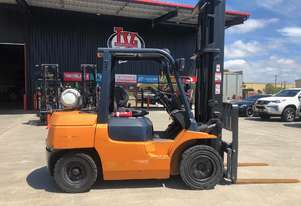 Toyota 3.5 Tonne Forklift - An Oldie but Goodie!