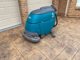 Tennant T5 Sweeper Sweeping/Cleaning - picture1' - Click to enlarge
