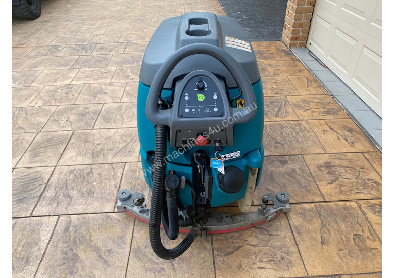 Tennant T5 Sweeper Sweeping/Cleaning