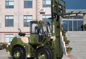 5 TON All Terrain Forklift Made For Australia's Harshest Conditions