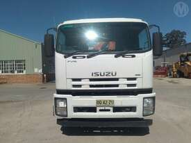 Isuzu FVR1000L - picture0' - Click to enlarge