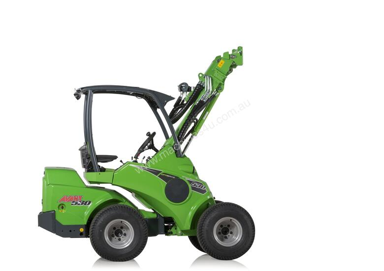 Avant 530 Articulated Mini Loader with Telescopic Boom