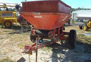 BONEL 2TONNE TRAILING SUPER SPREADER