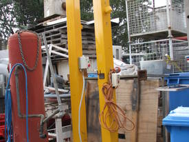 Vacuum Lifting System Bag Sack Lifter with Gantry  - picture0' - Click to enlarge