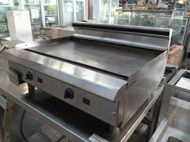 WALDORF 750MM WIDE ELECTRIC GRIDDLE HOT PLATE