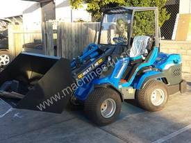 MULTIONE 8.4S TWO SPEED MINI LOADER - picture8' - Click to enlarge