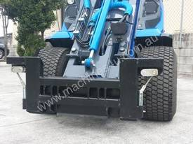 MULTIONE 8.4S TWO SPEED MINI LOADER - picture10' - Click to enlarge