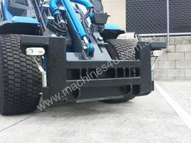 MULTIONE 8.4S TWO SPEED MINI LOADER - picture11' - Click to enlarge