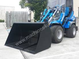 MULTIONE 8.4S TWO SPEED MINI LOADER - picture13' - Click to enlarge